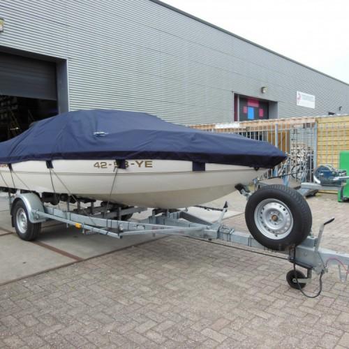 Beschermzeil voor motorboot